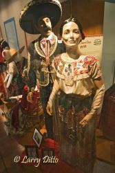 Costumes_of_the_Americas_Museum_Larry_Ditto_X0Z7344