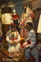 Costumes_of_the_Americas_Museum_Larry_Ditto__X0Z7341