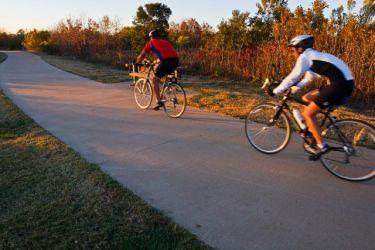 Bicycling_70K8593