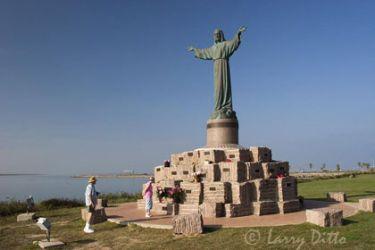 Statue_of_Jesus_Larry-ditto